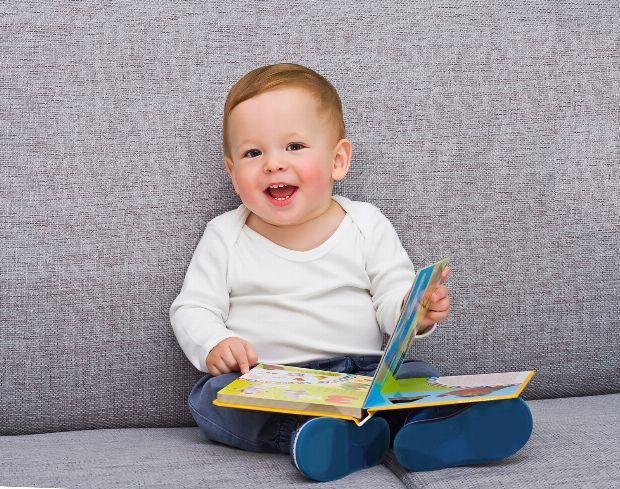 der elfte monat im leben eines babys. Black Bedroom Furniture Sets. Home Design Ideas