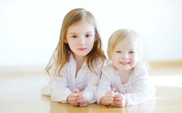 Zwei Freche Schwestern Ficken Onkel