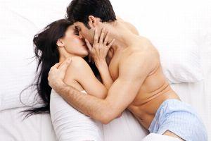 Fototapete Sexy Leidenschaft zwischen Mann und Frau