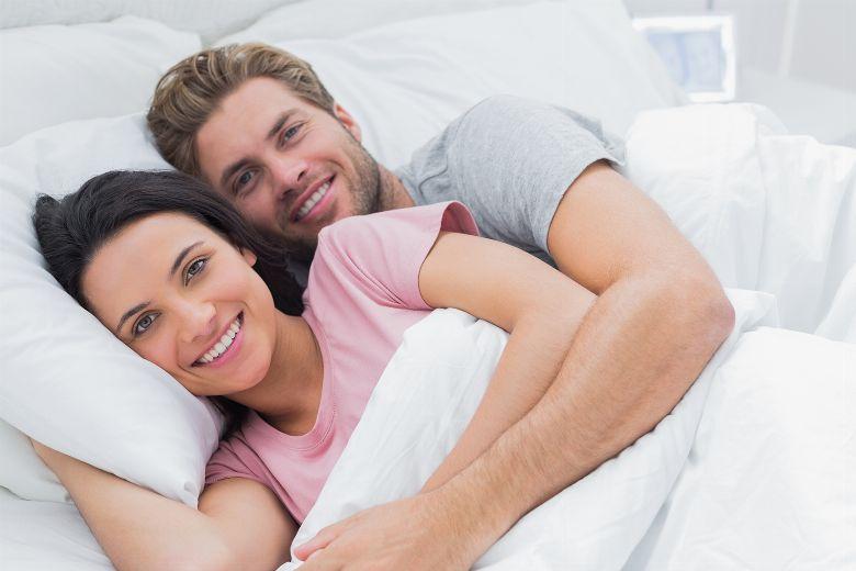 Schlafpositionen bedeutung paar