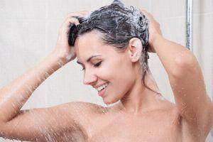 Die Maske für das Haar mit dem chlorhaltigen Kalzium