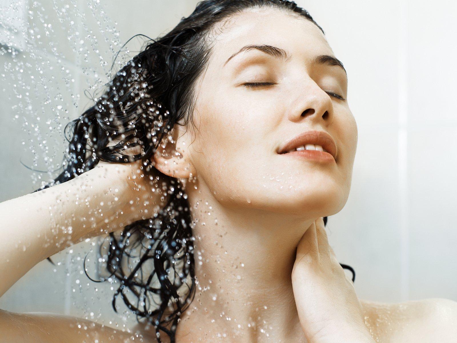 Fettige Haare In Den Griff Bekommen Die Besten Tipps Und Hausmittel