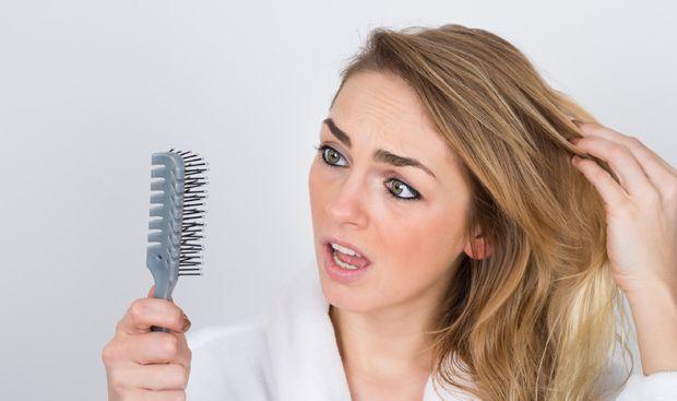 Gegen den Vorfall für das fettige Haar